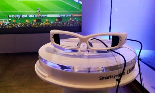 Sony เปิดตัว SmartEyeglass แว่นตาอัจฉริยะ