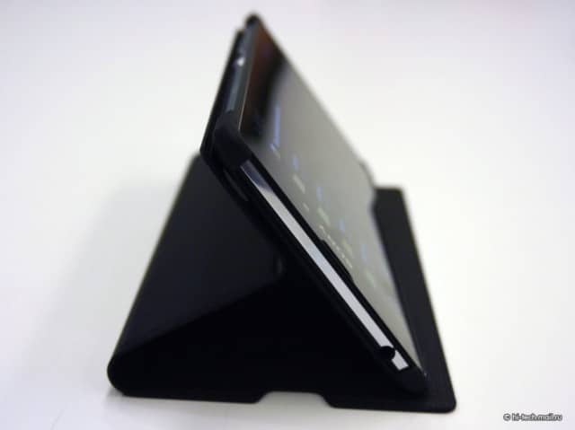 Sony-SCR16-Style-Cover-Stand_Handson_6-640x479