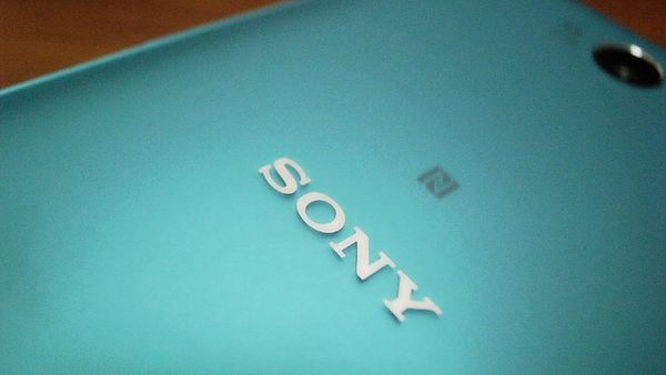 Xperia-Z2a-unboxed_8