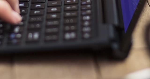 Sony เตรียมออกคีย์บอร์ดเสริมสำหรับ Xperia Z4 Tablet?