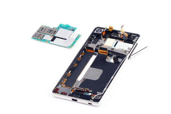 Sony-Xperia-Z4-Disassembly-_6