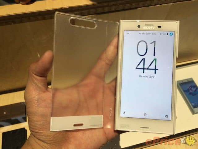 xperia x compact accessories hands on 05